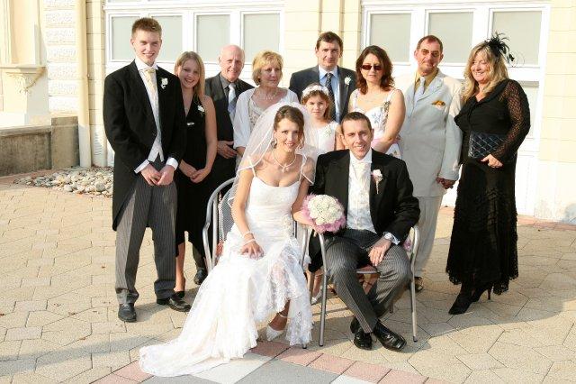 Dana Klamparova{{_AND_}}Richard Bowcott - manzelova rodina