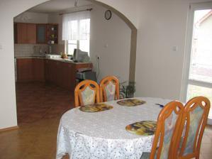 2006 - Jídelna a náhled do kuchyně