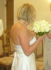 svatba mé kamarádky a její kytička