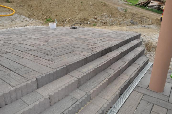 Zamkova dlazba - terasa