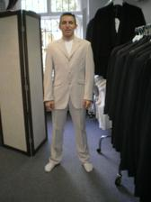 Manžílek si vybral oblek