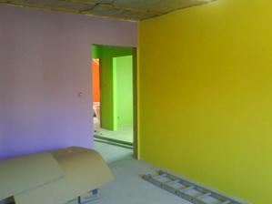 druhá detská izba fialková a sýta žltá