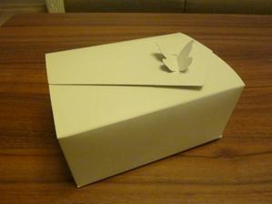 Krabička na výslužku pro hosty...