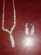 svatební náhrdelník a naušnice, zda použiju i náhrdelník jeste nevim..uvidime jak to pujde k satum