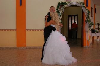 ... prvý mladomanželský tanec ...
