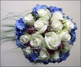 takovou budu mít, akorát ty růže budou sytě růžové...