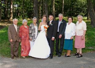 ... s babičkami a dědečky ...
