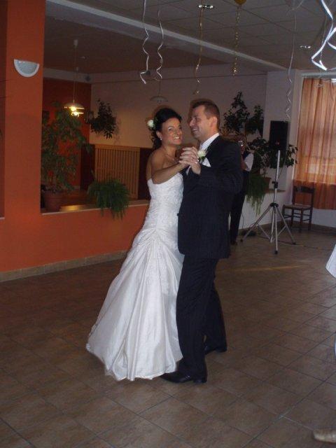 Majka{{_AND_}}Peťko - prvy tanec