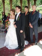snoubenci a jejich svědkové