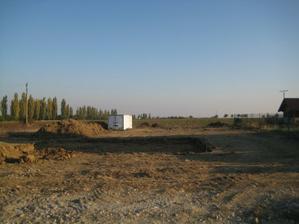 po cca 6 hodinach od vytycenia stavby su zemne vykopy ukončené