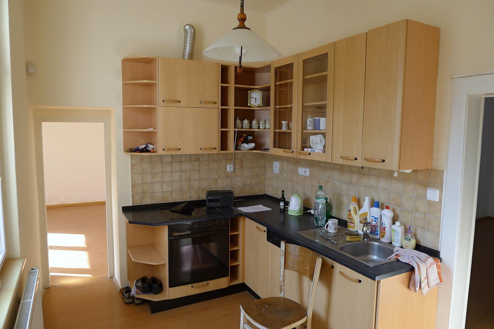 Rekonstrukce našeho domečku - původní kuchyňka