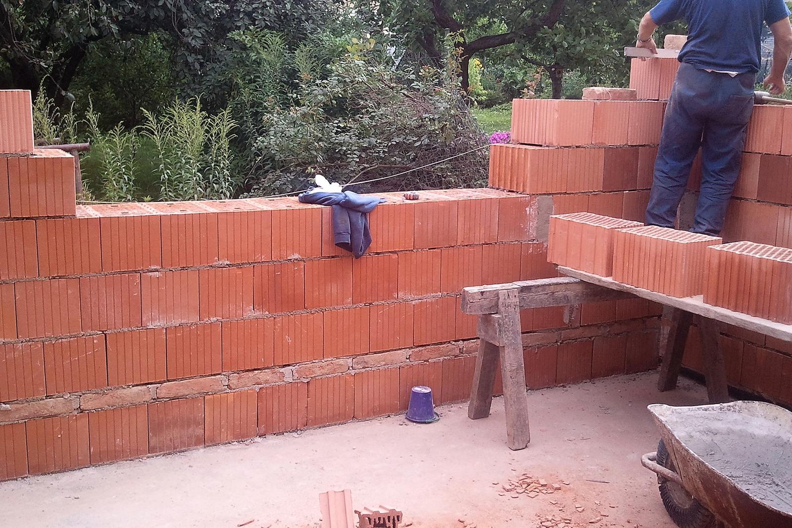 Rekonstrukce našeho domečku - a zpackaná přístavba je pryč a stavíme nový dětský pokoj