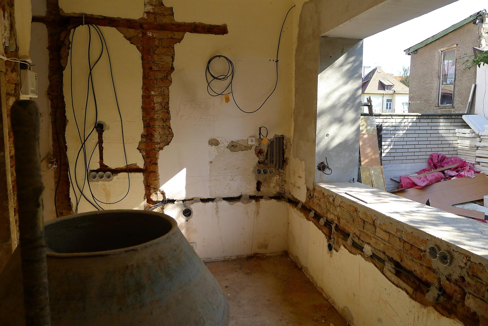 Rekonstrukce našeho domečku - a tady budu vařit :o)