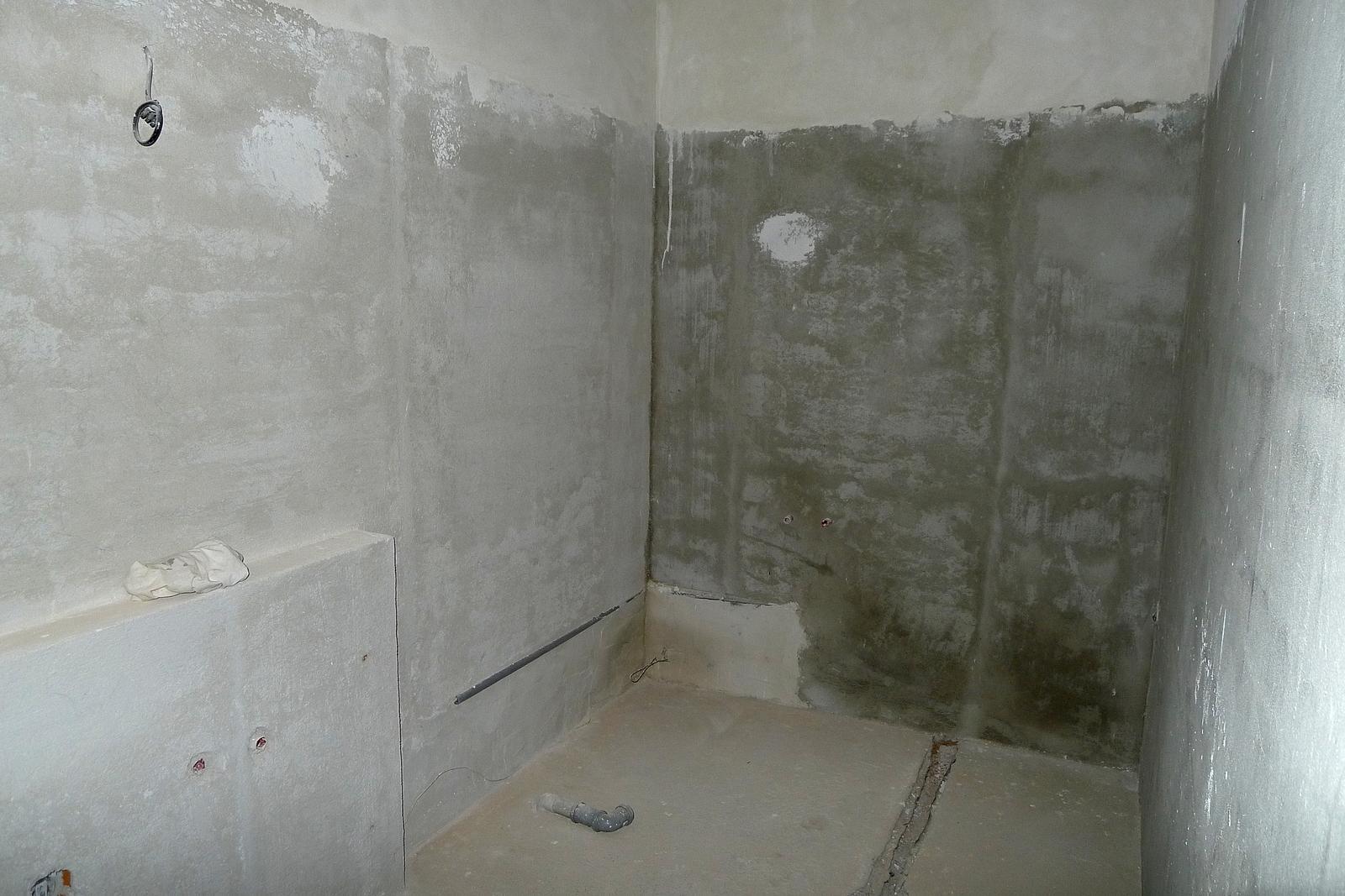 Rekonstrukce našeho domečku - koupelna...čekáme na obkladače