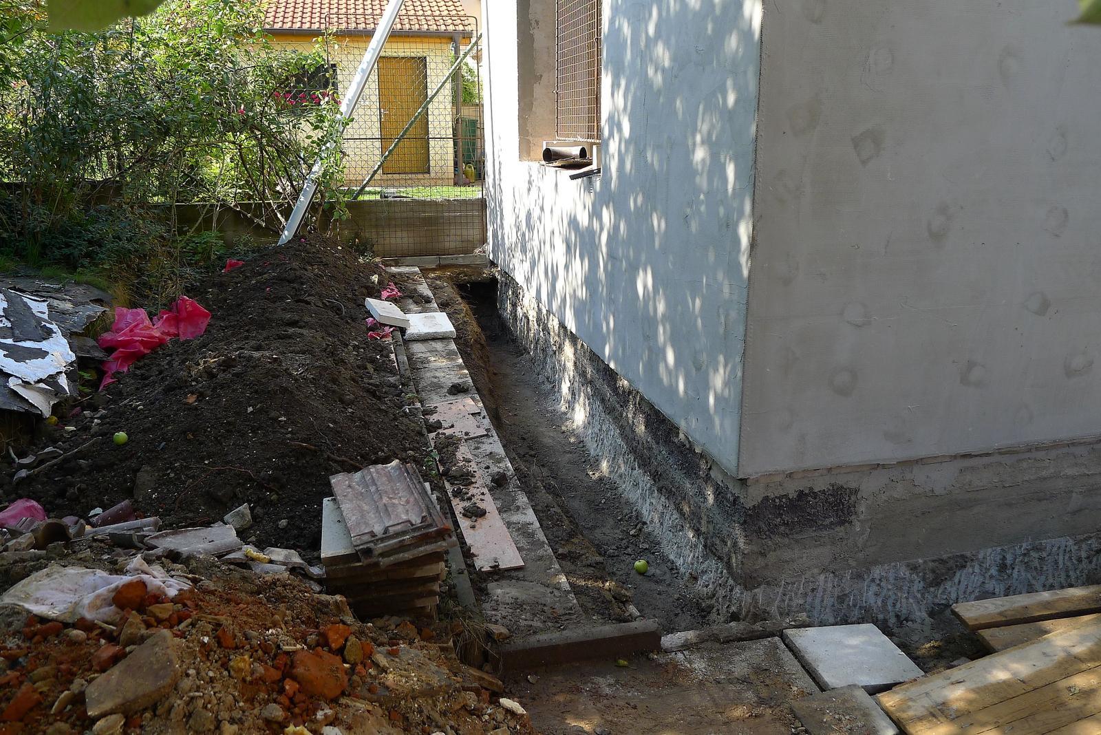 Rekonstrukce našeho domečku - izoluje se...