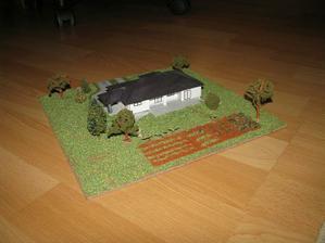 model domu v mierke aj s pozemkom a uložením stavby