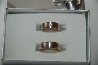 A takhle vypadají naše prstýnky v reálu...