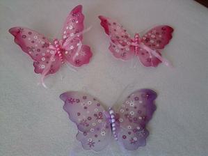 motýliky na výzdobu zábradlia na dome