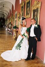 v krásných chodbách zámku..., jsme si focení užívali..., až na to velké teplo:)