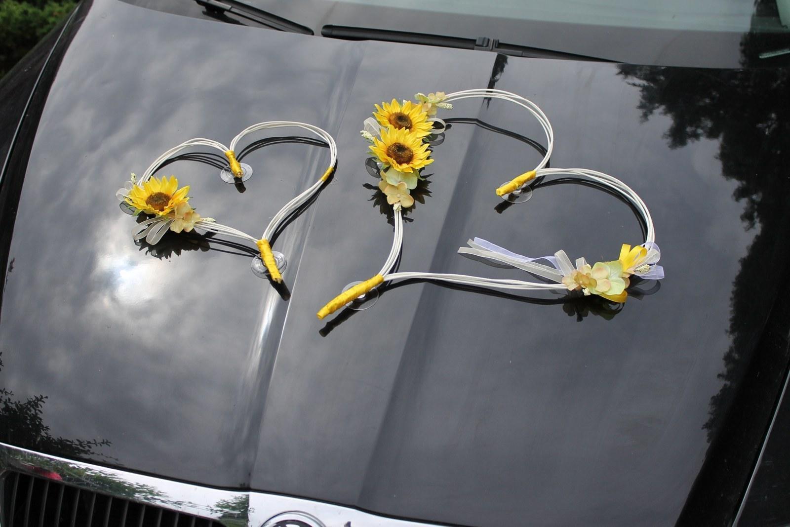 Srdce na kapotu auta se slunečnicemi  - Obrázek č. 1