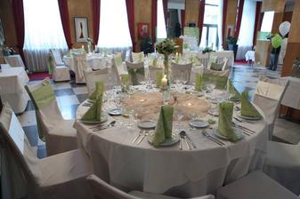 vyzdobené stoly v Poľane