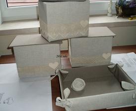 Z  papierových škatúl vyhodených v hypernove....podrobný popis a fotopostup som vypracovala, nájdete ho v sekcii šikovné ruky