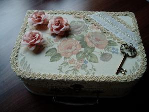 kufrík na krajky alebo podobné zbytočnosti....