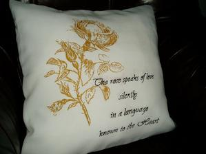 zlatá ruža , farba na textil...