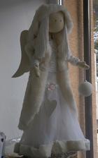 a aby bielej nebolo dosť, biely vianočný anjelik....