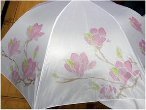 jemná magnólia na dáždniku- použité  farby na hodváb...