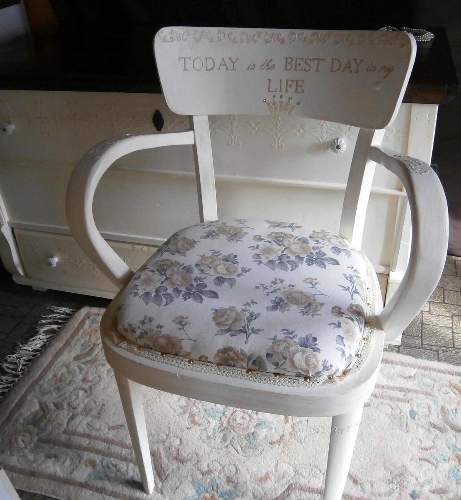 Bedne, bedničky a ostatné zbytočnosti...alebo, čo sa dá doma urobiť... - antidepresívna stolička alebo stolička na dobrú náladu...