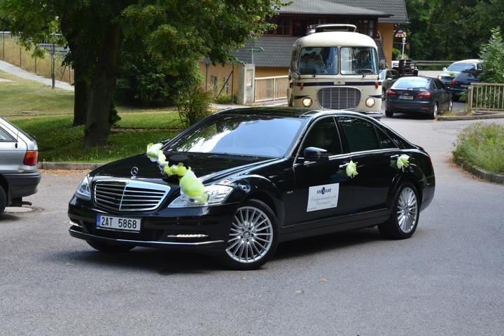 Milada Nováčková{{_AND_}}Jiří Charvát - Ženichovo auto