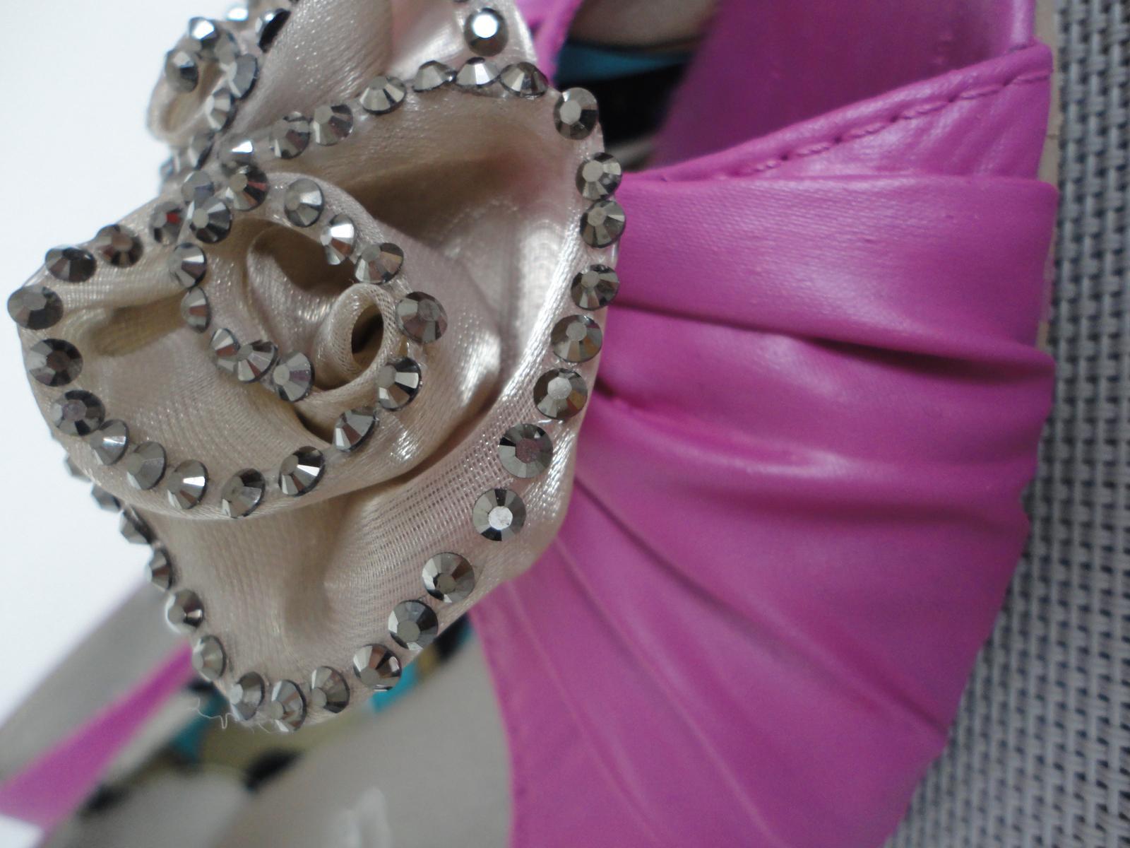 Zdravím všechny nevěsty :-)... - Obrázok č. 2