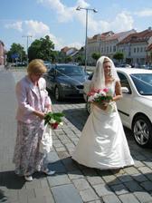maminka s nevěstou