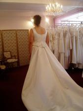 """zkouška a výběr svatebních šatů č.4 - tyhle byly až moc """"MAJESTÁTNÍ""""-hrůza:)"""