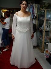 zkouška a výběr svatebních šatů č.6 - jako princezna:0))), kéž by byly v červené...