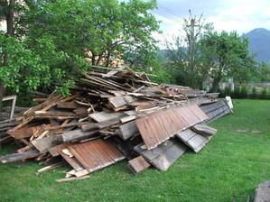 drevo z pôvodnej strechy