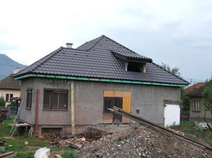 nová strecha ešte bez odkvapov