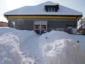 náš domček v zime
