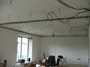 znižovanie stropu
