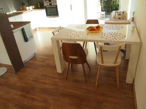 jedálenský stôl, biely lesklý, rozťahovací