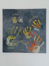 Odtlačky rúk na plátne: syn 3 roky + 10 mesiacov, dcérka 10 dni a my dvaja....