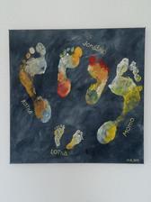 Odtlačky nôh na plátne: syn 3 roky + 10 mesiacov, dcérka 10 dni a my dvaja....