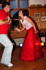 ...tančilo...