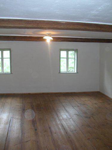 *Naše chaloupka* - finále - konečná podoba ložnice po vyspravení děr, naštukování, vymalování, strhnutí lina, obnově prken, olištování a navoskování! Už jen nábytek a je to!!!! :)