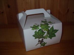 Krabičky - vlastnoruční výroba zdobení, ale že mi to vystřihování dalo zabrat