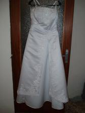 moje svadobné šatičky, že sú krááááááááásne ...