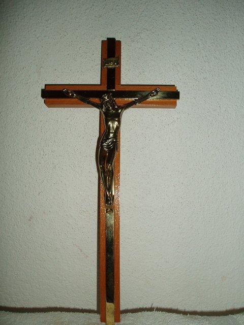 Julinka 3 - takýto krásny krížiček sme si kúpili