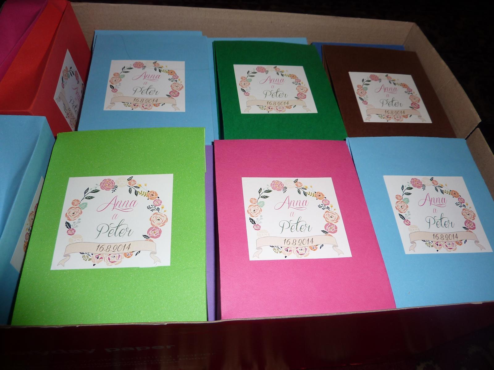 Už sa nám to blíži.... :) - Pestrofarebné krabičky na nevestičky a tic-tac
