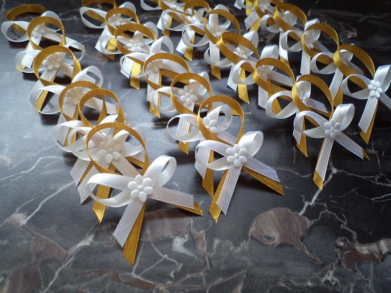 Jemnučké svadobné pierka bielo-zlatá - Obrázok č. 1